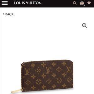 ♥️Louis Vuitton Monogram Zippy Wallet ♥️